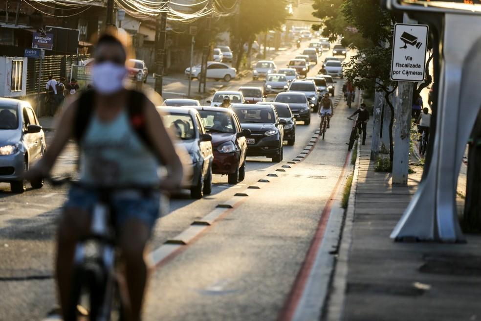 """Poluição atmosférica e o novo coronavírus configuram uma """"combinação perigosa"""" — Foto: Helene Santos"""