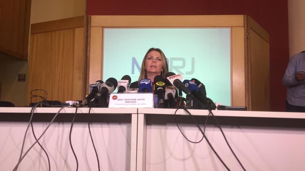 Ana Cristina Huth Macedo durante a entrevista coletiva — Foto: Raphael Zarko/GloboEsporte.com