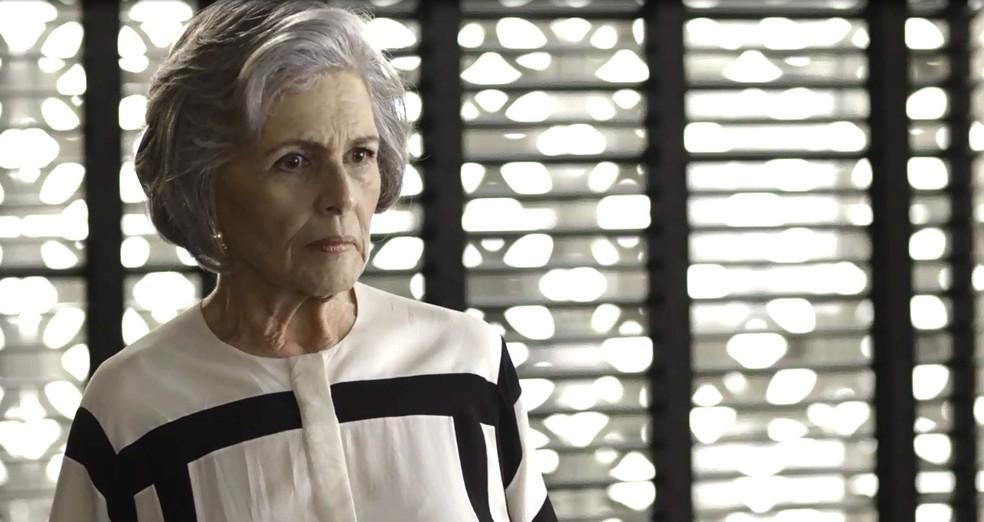 A empresária não entende nada e pergunta o porquê dela se comportar dessa forma (Foto: TV Globo)
