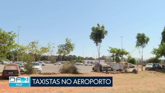 Taxistas são autorizados a permanecer no aeroporto