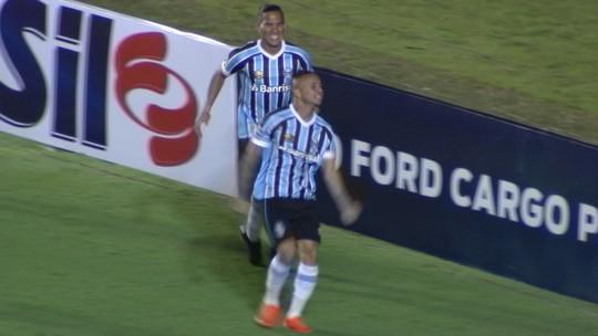 Everton dá lindo drible e abre o placar para o Grêmio; veja o que ele fez