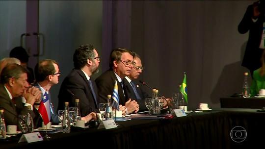 Bolsonaro chega à Argentina para participar da reunião de cúpula do Mercosul