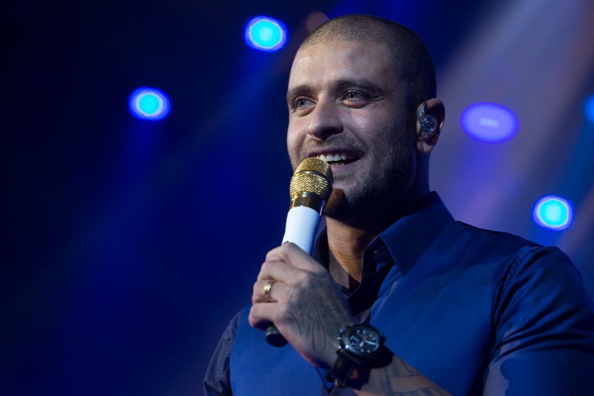 Fã de Diogo Nogueira pede música do cantor após 54 dias em UTI de SP com Covid-19 e manda recado ao ídolo que está com o vírus