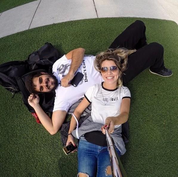 Pedro Agum e a namorada, Fernanda (Foto: Reprodução Instagram)