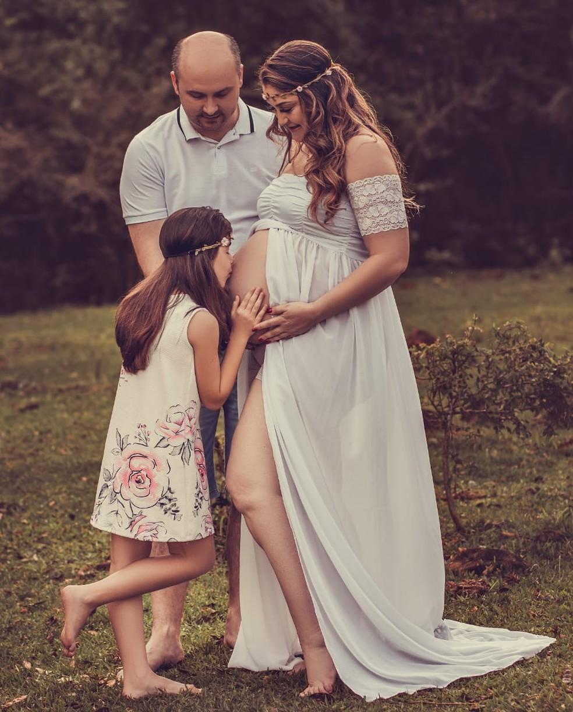 Família de Maravilha (SC) contraiu a Covid-19 durante a gestação da segunda filha  — Foto: Samara Duarte