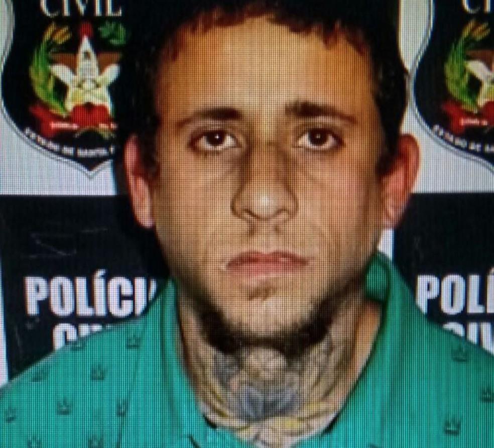 Polícia Civil divulgou imagem de Gilmar César de Lima, suspeito de matar indígena em SC  (Foto: Polícia Civil/Divulgação)