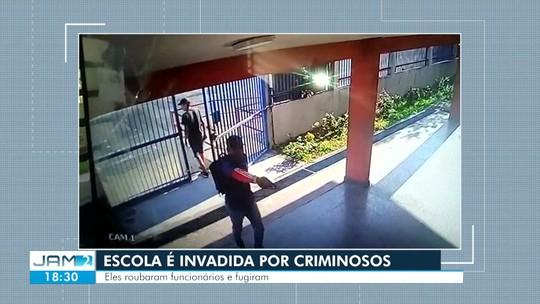 Armados, assaltantes invadem escola e roubam funcionários na Zona Leste de Manaus