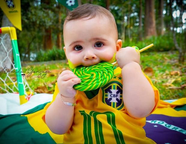 Ensaio Copa do Mundo (Foto: Reprodução Instagram/Brenda Gonzaga Fotografia)