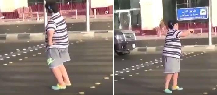Adolescente dança 'Macarena' ao atravessar rua na Arábia Saudita