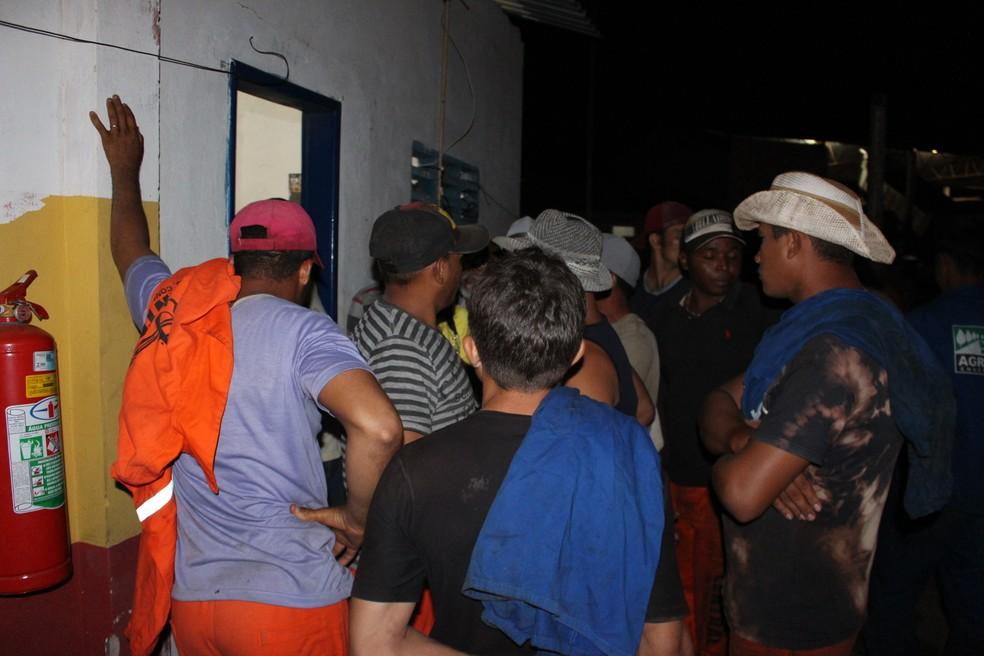 58 homens, funcionários de empresa responsável pelo asfaltamento em São Luís (MA), foram resgatados em 2016. (Foto: Divulgação / MPT)