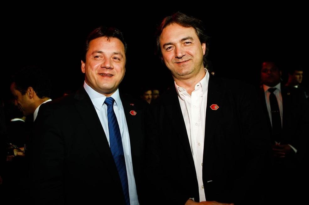 Wesley (dir.) e Joesley Batista, donos da Friboi, durante evento em São Paulo em agosto de 2013 (Foto: Zanone Fraissat/Folhapress/Arquivo)