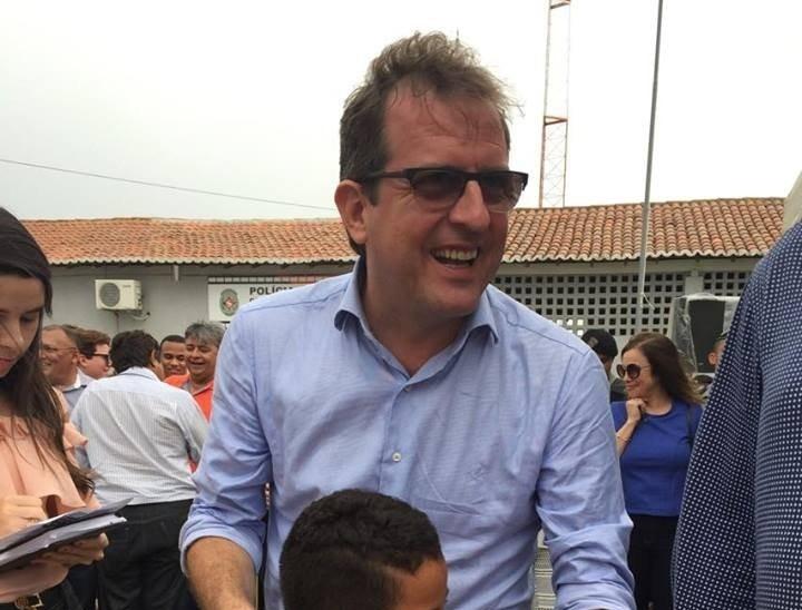 Após denúncia de agressão, Justiça proíbe prefeito de Sousa de se aproximar de ex-namorada - Noticias