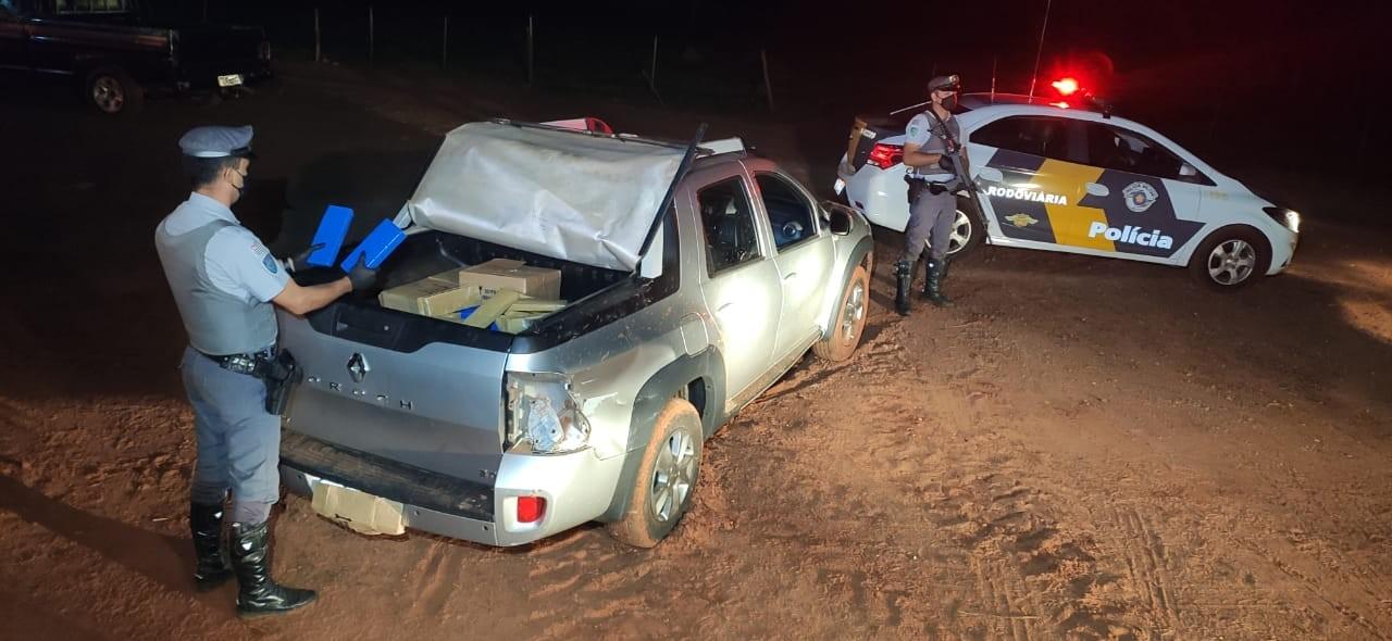 Após fuga de fiscalização, motorista abandona picape com 220 quilos de maconha