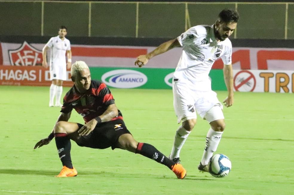 f6541ebe74 ... Lauder Perez vira herói do ABC com gol nos acréscimos — Foto  Maurícia  da Matta