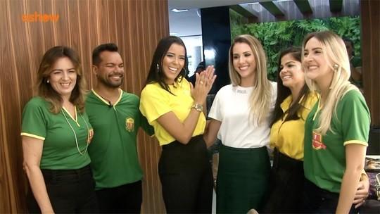 Niara Meireles mostra dicas de maquiagem para torcer pelo Brasil na Copa do Mundo