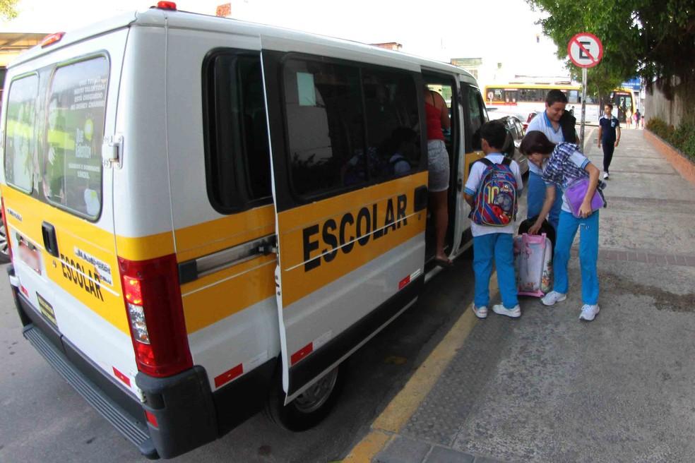 Aulas no Recife são retomadas na segunda-feira (3) — Foto: Marlon Costa/Pernambuco Press