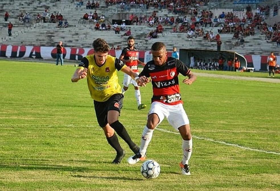 O experiente Marcinho comanda o meio-campo do Campinense, que fez a segunda melhor campanha entre todos os times na primeira fase (Foto: Divulgação / Campinense)