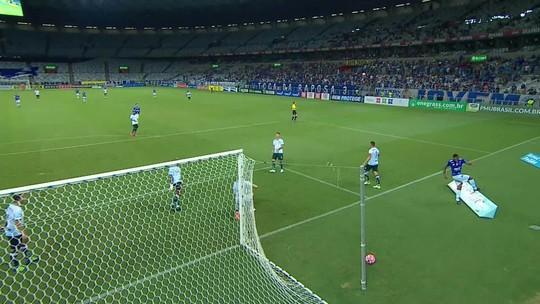 Invencibilidade, melhor defesa e ataque em alta: Cruzeiro chega embalado às quartas do Mineiro