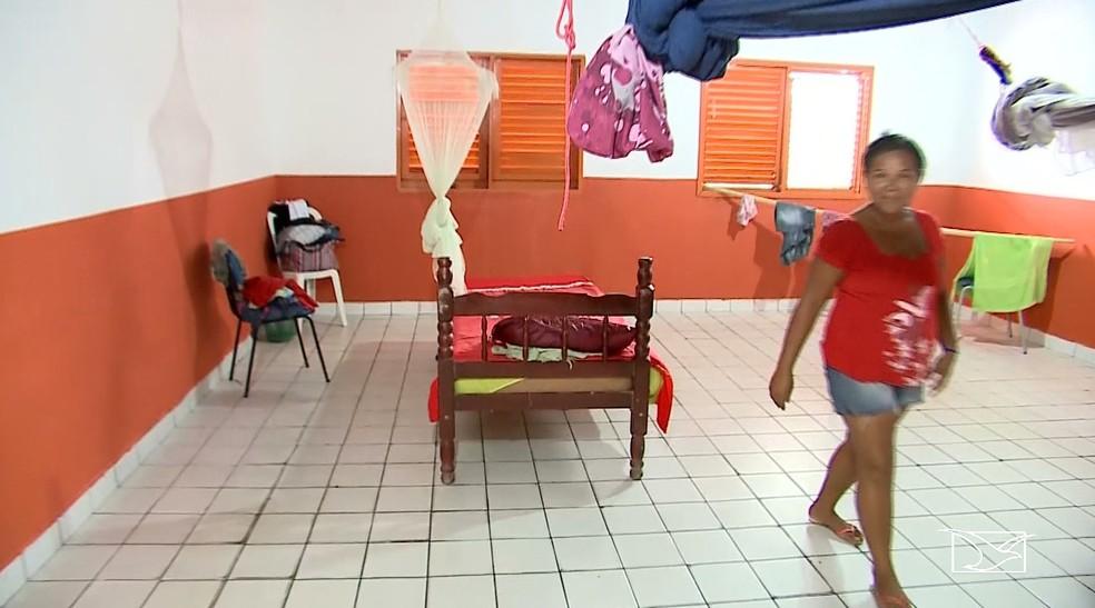 Escolas em Santa Helena estão servindo de abrigos e já estão cheias de desabrigados após aumento de chuvas na região — Foto: Reprodução/TV Mirante