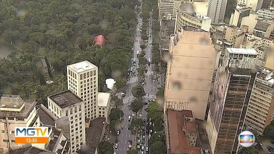 3a6edff029f Desfile do Bloco Chama o Síndico altera o trânsito no Centro de Belo  Horizonte. 45 seg. Há 1 ano Carnaval 2018 em ...