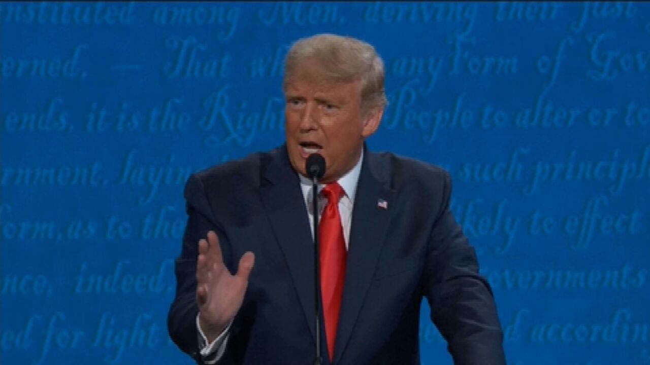 'Eu não construí as jaulas. Foi ele (Biden)', diz Trump em debate