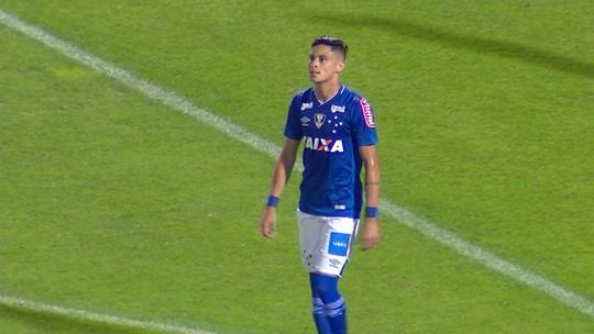 Cruzeiro busca reposição para a lateral esquerda, e Carleto, do Coritiba, interessa