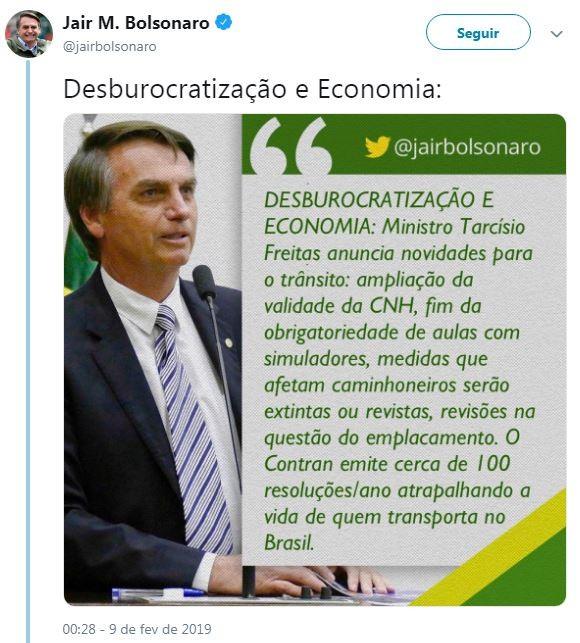 Novo Tweet de Jair Bolsonaro sobre a mudança no prazo de validade da CNH e outras medidas do Contran (Foto: Reprodução / Twitter)