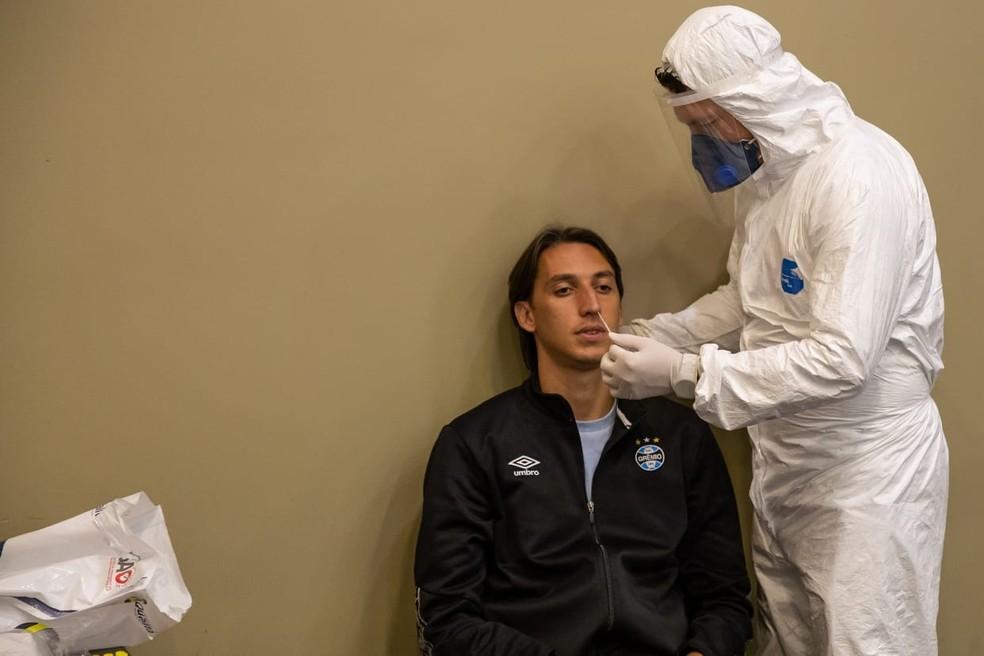 Geromel passou pelos testes de Covid-19 na última sexta-feira — Foto: Lucas Uebel/DVG/Grêmio