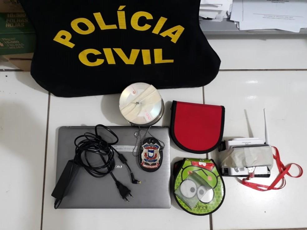 No notebook usado pelo suspeito também foram localizados vídeos com imagens de crianças fazendo sexo (Foto: Polícia Civil de MT)