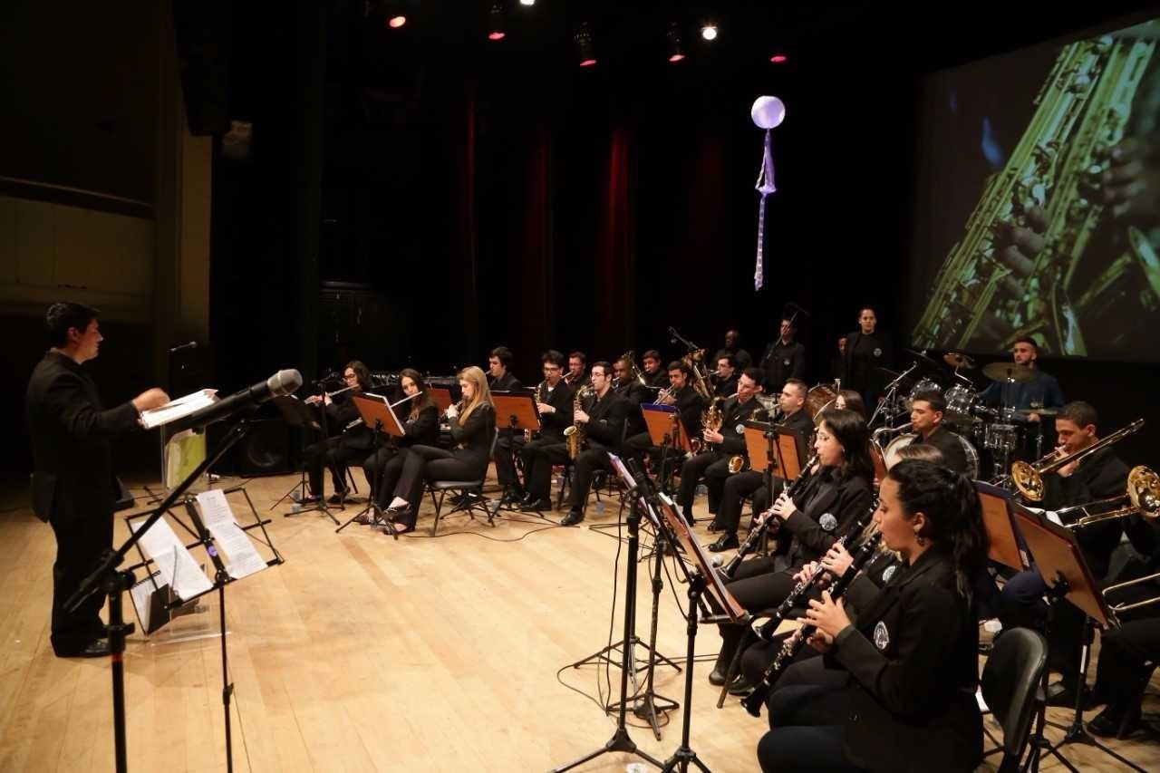 Banda da Lapa oferece aulas gratuitas de música em Florianópolis
