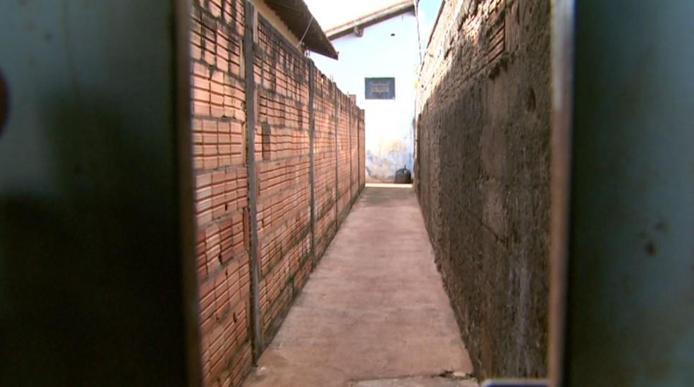 Jovem de 21 anos foi morta dentro de casa em Morro Agudo, SP — Foto: Fabio Junior/EPTV