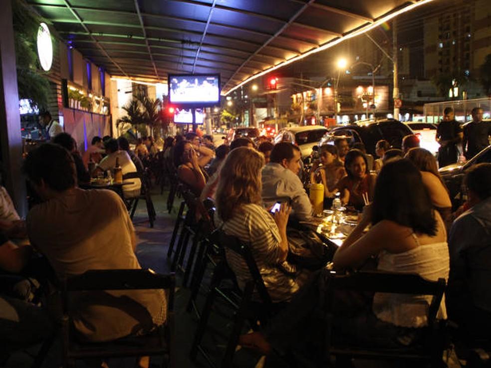 Projeto de lei quer que bares e casas noturnas fecham à meia noite durante a semana. — Foto: Cristino Martins / O Liberal