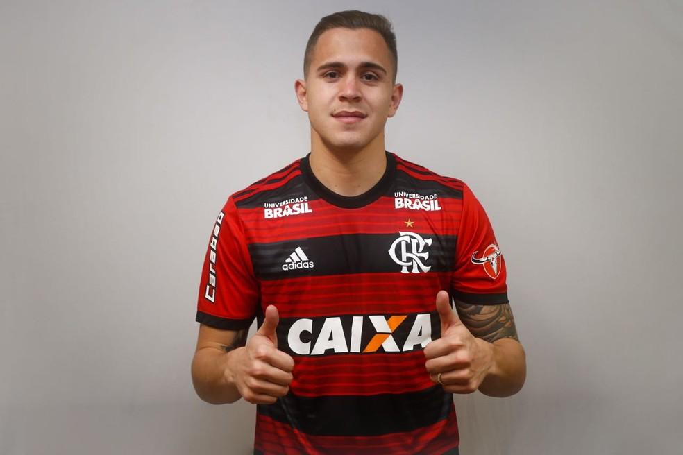 Flamengo oficializa a contratação do volante paraguiao Robert Piris da Motta (Foto: Staff Images/Flamengo)