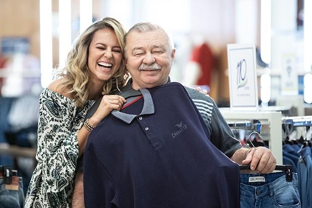 Paolla Oliveira com seu pai, José Everardo Oliveira (Foto: Divulgação)