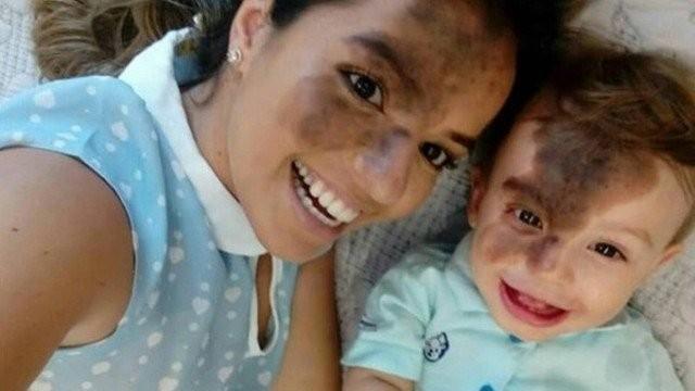 Carolina Giraldelli, 26 anos, pintou o rosto para ficar semelhante ao filho de 1 ano, Enzo