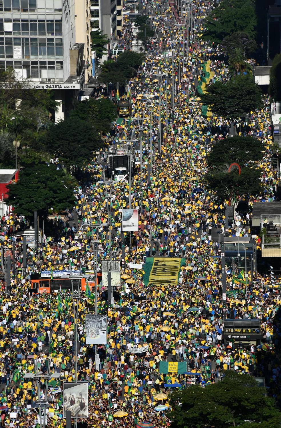 Manifestação em apoio ao governo Bolsonaro na Avenida Paulista, em São Paulo — Foto: Nelson Almeida/AFP