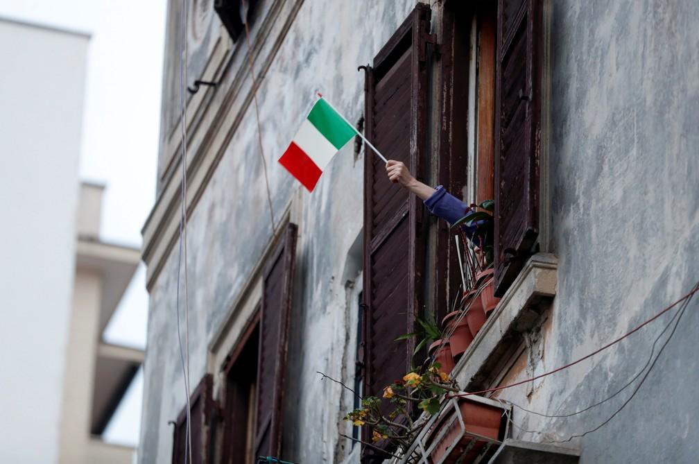 Imagem de um prédio em Roma, na Itália, em 13 de março de 2020 — Foto: Yara Nardi/Reuters