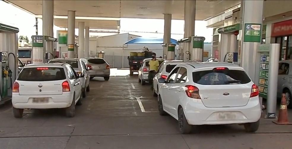 Motoristas de aplicativos fazem protesto em Corumbá (MS) — Foto: TV Morena/Reprodução