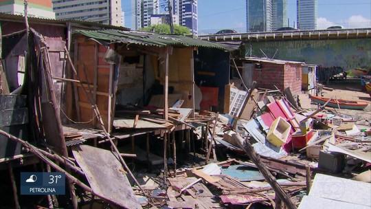 Palafitas desabam na Zona Sul do Recife