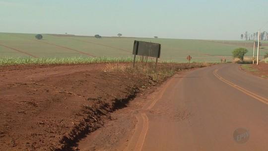 Placas de sinalização são furtadas um dia após serem instaladas em Pitangueiras, SP