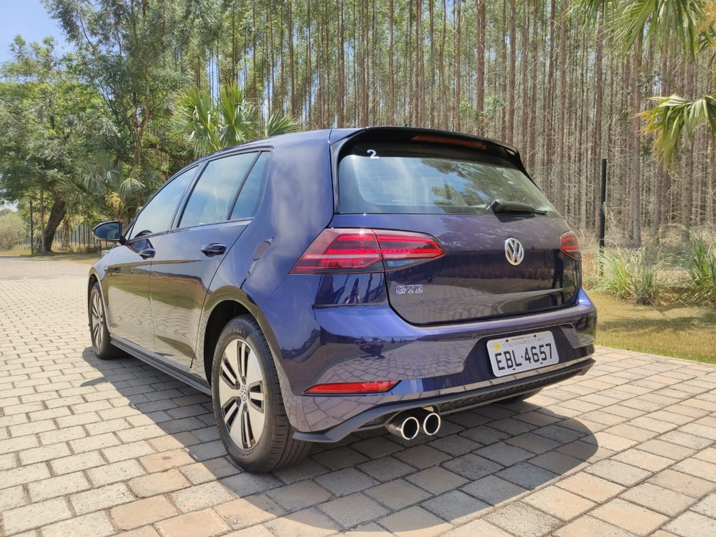 Volkswagen Golf GTE — Foto: André Paixão/G1