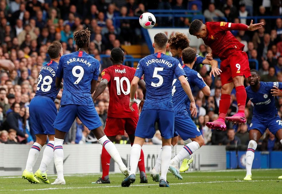 Firmino gol Liverpool Chelsea — Foto: Reuters