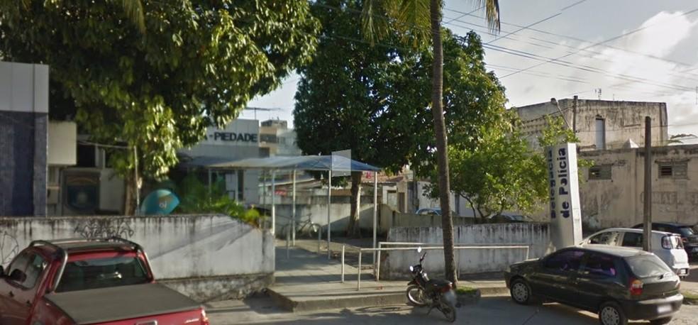 Caso foi registrado na Delegacia de Piedade, em Jaboatão dos Guararapes, no Grande Recife (Foto: Reprodução/Google Street View)