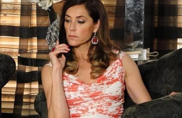 Na quinta (16), Tereza Cristina (Christiane Torloni) vai armar o sequestro de Alice (Thais de Campos) para impedir Íris (Eva Wilma) de revelar seu segredo para Griselda (Foto: Reprodução)