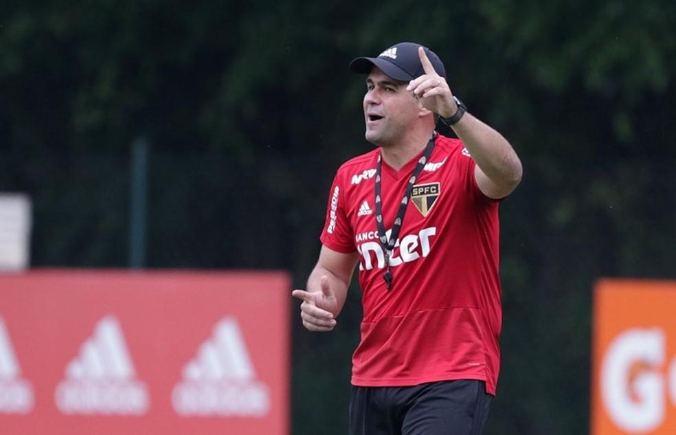 André Jardine assume o São Paulo nas rodadas finais do Brasileirão — Foto: Rubens Chiri / saopaulofc.net