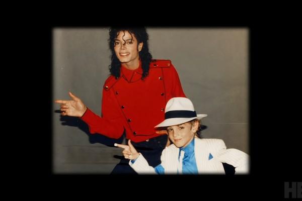 Uma das cenas do documentário Leaving Neverland sobre os suspostos abusos sexuais cometidos pelo músico Michael Jackson contra crianças que ele hospedava no rancho Neverland (Foto: Reprodução)