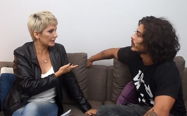 Antonia Fontenelle e Douglas Sampaio (Foto: Reprodução/YouTube)