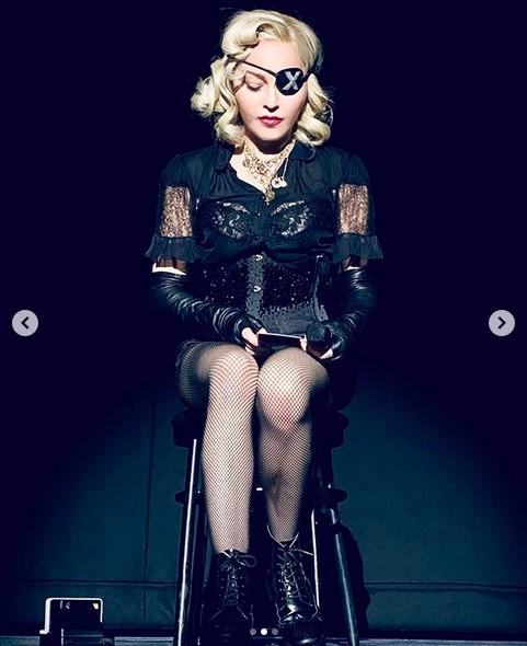 A cantora Madonna em um show da turnê Madam X (Foto: Instagram)