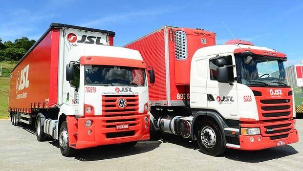 Caminhões da JSL (Foto: Reprodução)