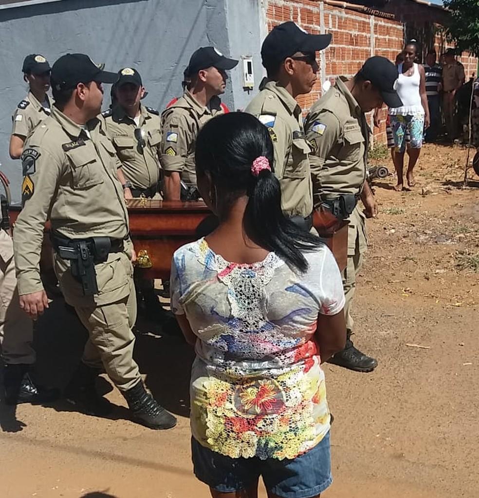 Velório foi feito na casa de parentes do policial (Foto: Divulgação)